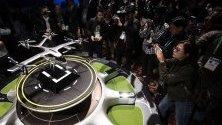 Модел на въздушно такси на Hyundai и Uber, изложено по време на CES - Международното изложение за потребителска електроника в Лас Вегас.