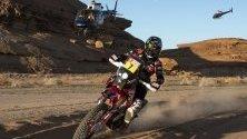 Аржентинецът Кевин Бенавидес от екипа на Monster Energy Honda участва в Рали Дакар 2020 между Ал Ула и Ал Хай в Саудитска Арабия.