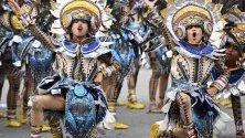 Танцьори по време на фестивала Sinulog-Santo Nino - един от най-популярните религиозни и културни събития във Филипините в чест на Санто Нино - Детето Исус.