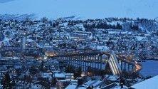 Град Томсо, Норвегия, по време на Полярната нощ.