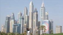 Шейн Лоури от Ирландия по време на голф състезанието Omega Dubai Desert Classic 2020 в Дубай, ОАЕ.