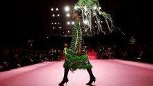 Ревю на испанския дизайнер Мануел Пертегас по време на Седмицата на модата в Мадрид.