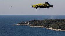 Управляемият дрон DCL, създаден от Drone Champions, по време на тестови полет във Врсар, Хърватия.