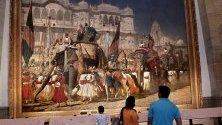 """Картина на Василий Верешчагин """"Влизане на принца на Уелс в Джайпур"""", изложена в галерията Виктория Меморъл в Калкута, Индия, която отвори врати след реставрация."""