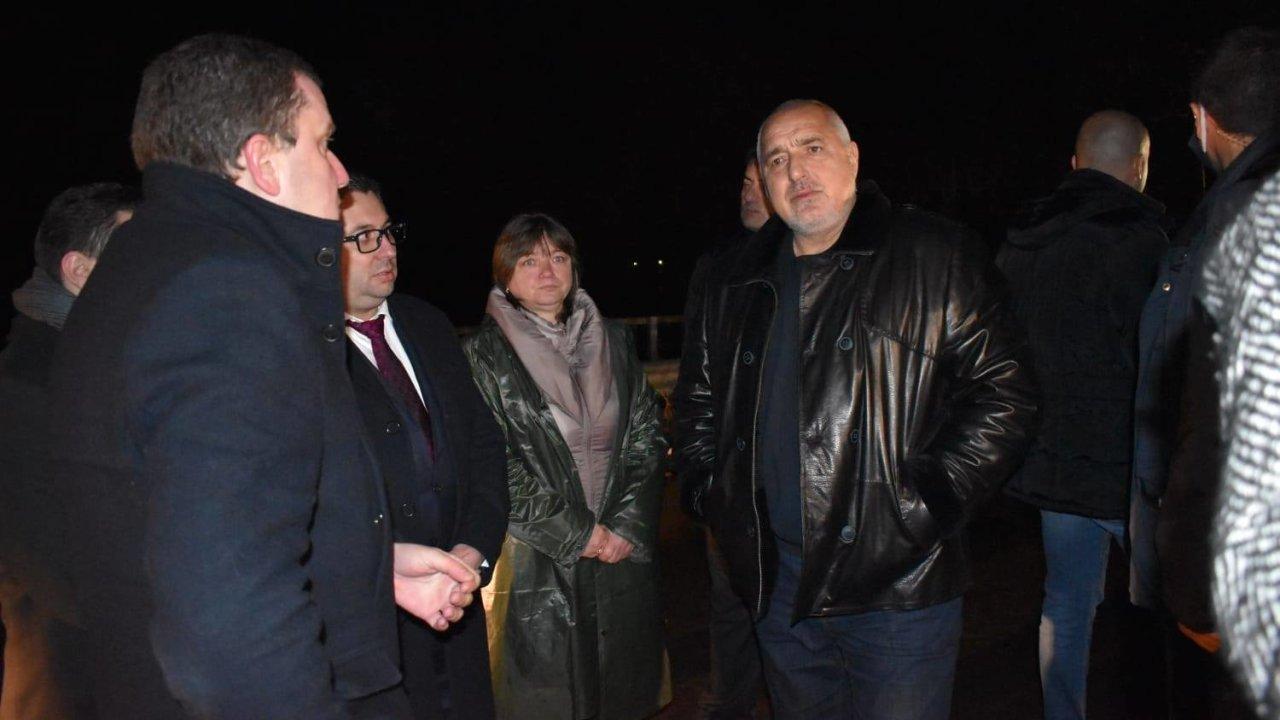 След наводненията: Борисов на инспекция в Пернишко